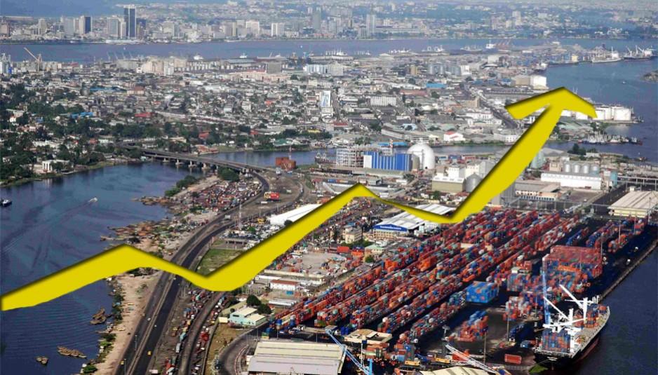 L'économie de Lagos, la plus grande ville du Nigeria, est en pleine expansion depuis plusieurs années. C'est la plaque tournante du commerce international du pays, particulièrement en ce qui a trait à l'industrie du pétrole. Son port est le premier du pays et un des principaux ports d'Afrique.