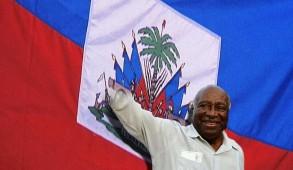 Fils d'enseignants, Leslie Manigat est issu de l'élite progressiste du Nord d'Haïti. Il a suivi des études universitaires à la Sorbonne où il obtint un doctorat en philosophie.