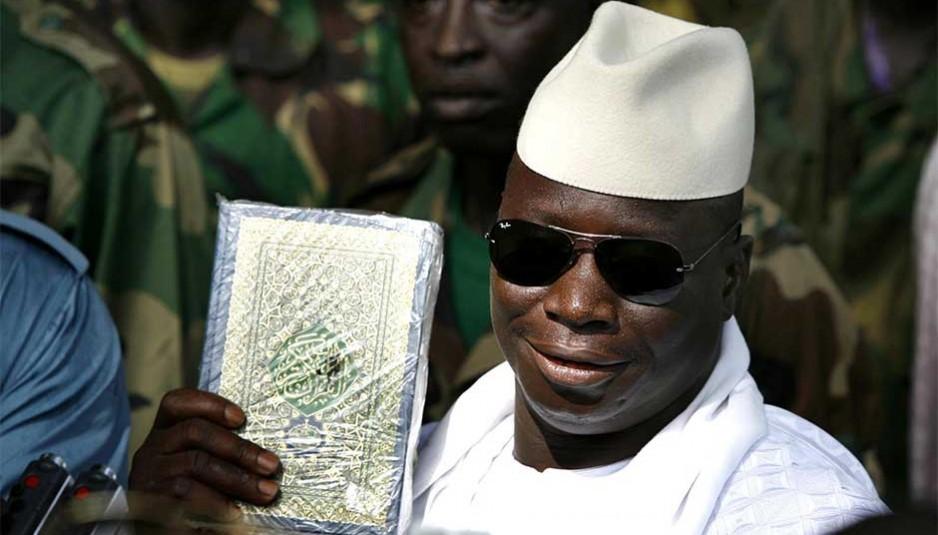 En mars 2014, Yahya Jammeh change la langue officielle de la Gambie de l'anglais à l'arabe.
