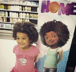 Cette photo représentant une fillette s'identifiant à Tip fut virale sur Facebook.