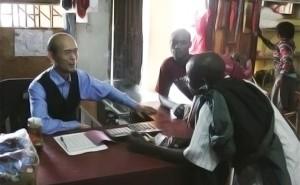 Selon AidData.org qui traque les investissements chinois en Afrique, entre 2009 et 2012, pour le Malawi seulement, la Chine a mis en œuvre jusqu'à 30 projets dans l'éducation, l'approvisionnement en eau, l'énergie, le développement des infrastructures, l'agriculture, les transports, les sports, le développent de la condition féminine, les communications, commerce et le secteur touristique