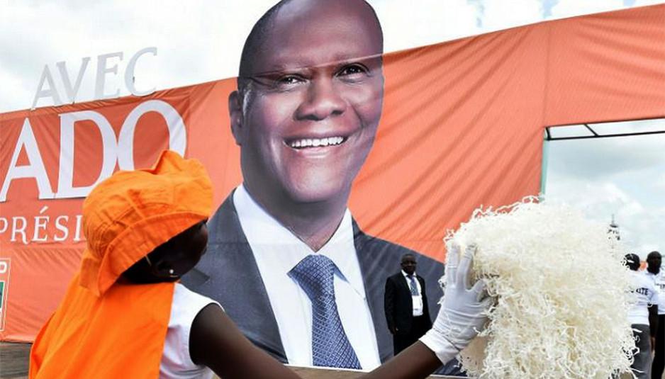 Quoique les moyens du Président sortant furent disproportionnés face à ses adversaires qui eux ont réclamé un boycott du scrutin, le taux de participation des Ivoiriens aux présidentielles de 2015 est estimé à environ 55%.