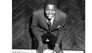 Oscar Peterson reçoit sept Grammy Awards et est intronisé au Temple canadien de la renommée en musique en 1978. Il est promu Compagnon de l'Ordre du Canada en 1984, après en avoir été fait Officier en 1972. Il est fait Chevalier de l'Ordre national du Québec en 1991.