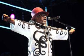 Jules Shungu Wembadio Pene Kikumba, dit Papa Wemba, né le 14 juin 1949 à Lubefu au Congo belge (dans l'actuelle province du Sankuru en République démocratique du Congo) et mort le 24 avril 2016 à Abidjan à la suite d'un malaise survenu sur scène