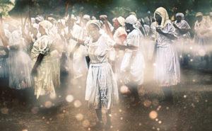 En Haïti, le vaudou a été reconnu officiellement comme religion en 2003. De nombreux Haïtiens pratiquent le vaudou tout en se déclarant d'une autre religion, principalement le catholicisme.