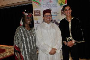 A gauche la docteure Ly-Tall Aoua Bocar, au centre Jaafar Debbarh, directeur de la Maison Marocaine