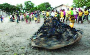 Le Kiebe-Kiebe est une danse-spectacle initiatique des peuples mbochi et koyo. Il constitue une exclusivité culturelle et sociale de la République du Congo dans le monde, bien qu'il soit peu connu du grand public.
