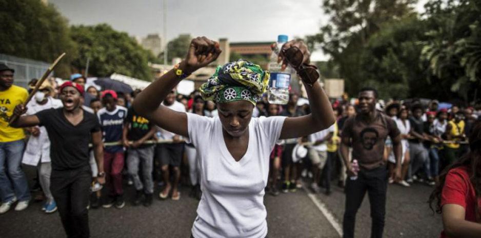 La rue peut faire halte aux grands de ce monde, la rue peut bloquer le chemin aux ivres du pouvoir